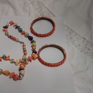 Beaded necklace and two bangles